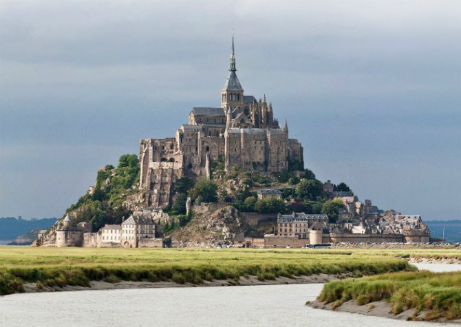 17 Most Beautiful Castles in the World ARCHITECTURE Castles ans palaces History of Architecture Medieval Gothic Style Architecture