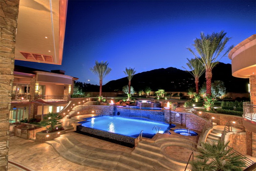 Contemporary Modern Mega Mansion in Paradise Valley Arizona Designed for a Resort Style Living ARCHITECTURE Contemporary Style Architecture LUXURY HOMES Mega Mansions