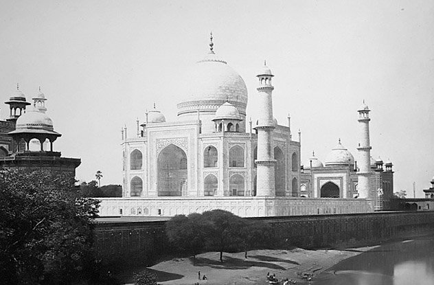 10 Famous and Legendary Landmarks That The World Almost Lost History of Architecture