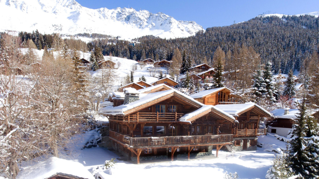 Enjoy a Beautiful White Christmas at This Warm and Cozy Ski Chalet in Switzerland BLOG