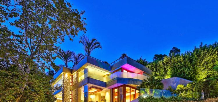 stunning contemporary modern style home in beverly hills 9909 beverly grove dr - Modern Looking Homes