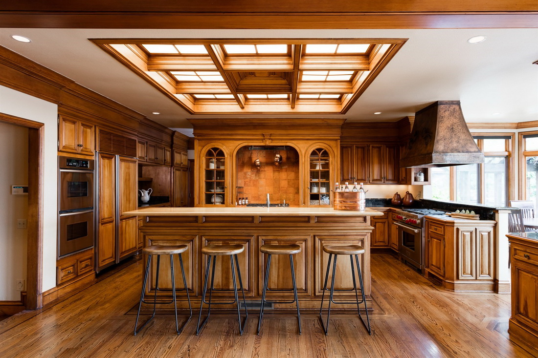 A Sportsman\'s Dream Home in North California Includes a Multi-sports ...
